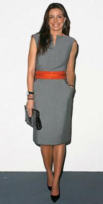 vestido tubinho cinza
