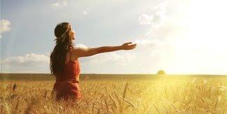 Kapankah Waktu yang Tepat untuk Berjemur Di Bawah Matahari Agar Tubuh Sehat