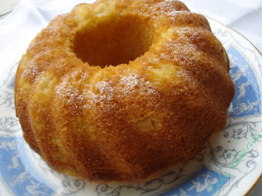 Bundt cake with cardamom and pears by Laka kuharica: wonderfully aromatic, light, airy, and easy to make.