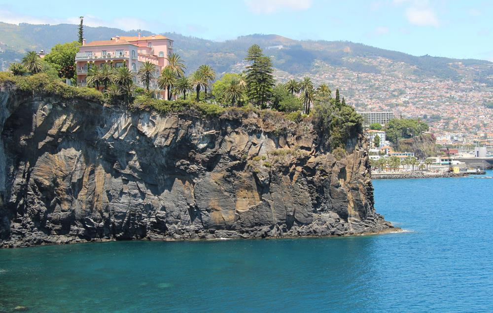 Belmond Reid's Palace, a special hotel in Funchal city