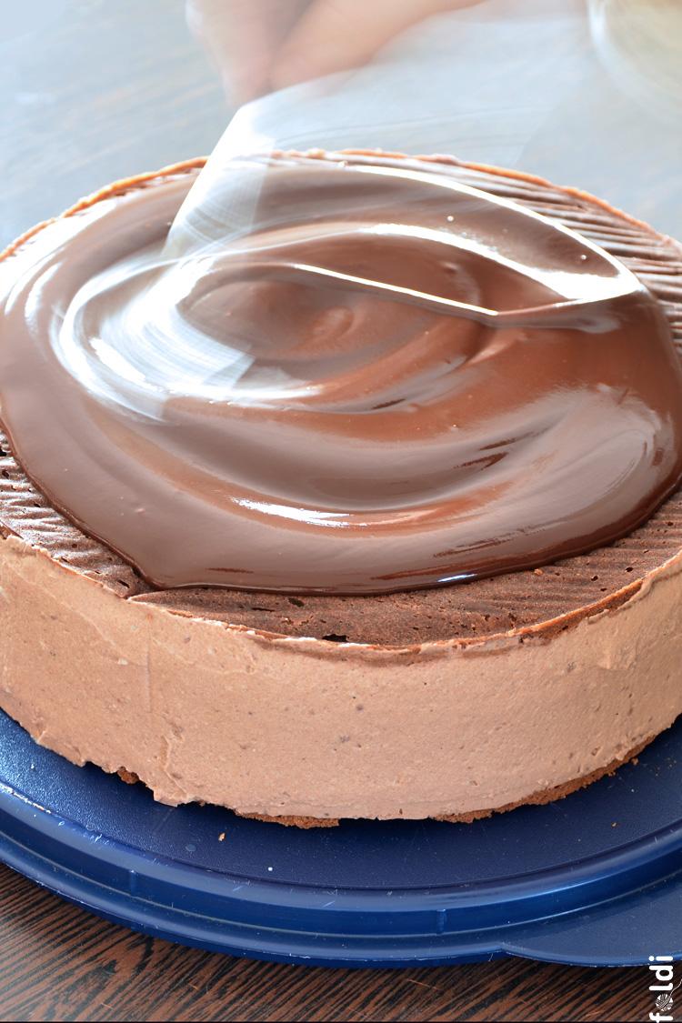 Foldi Melted Chocolate Cake Topping