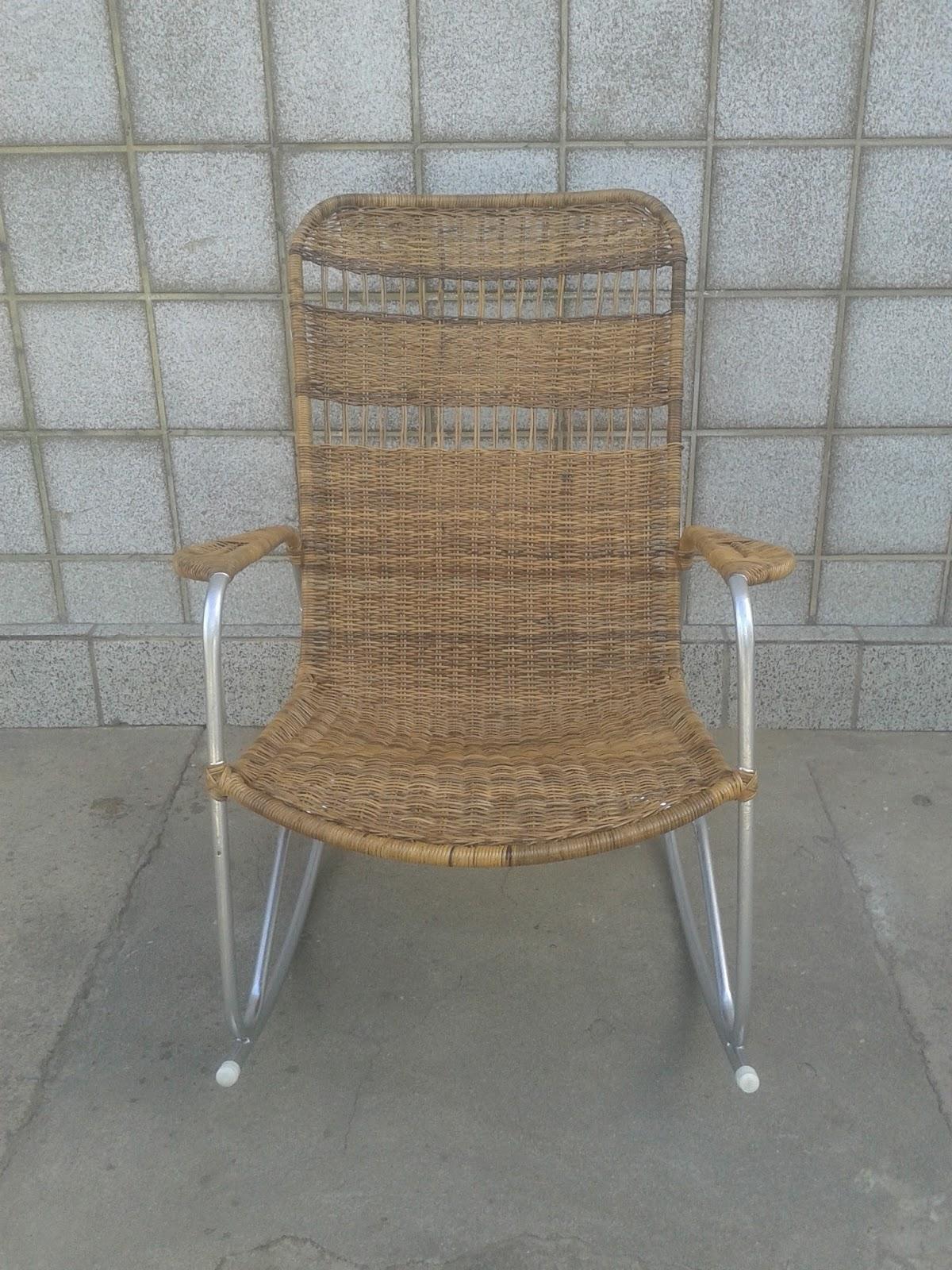 Cadeira de Balanço Adulto em Fibra Natural de Junco Modelo F 60 1ª  #826C49 1200x1600