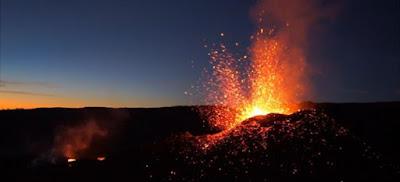 Volcan y rocas
