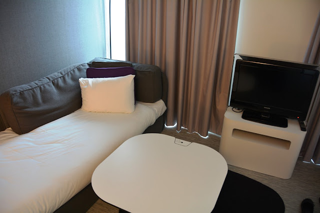 Suite Novotel Paris couch