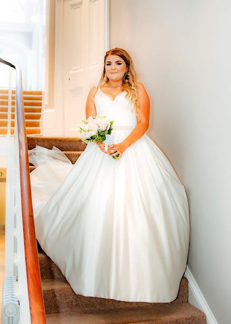 Wedding bride pose on stairs