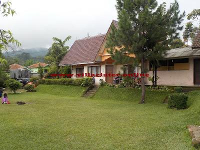 villa di ciater yang ada kolam renang air panas
