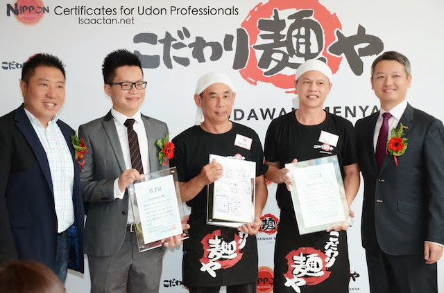 Chong Kiun hang, Tan Poh Hoo and Ivan Boey were awarded certificates as udon professionals