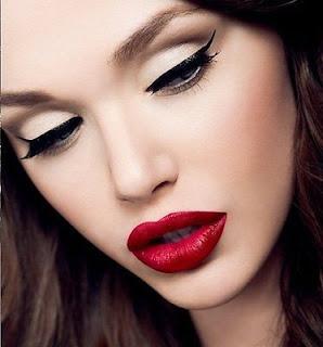 Modern vintage makeup