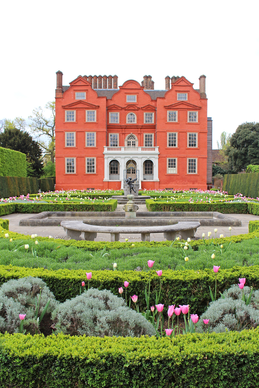 Kew Palace at Kew Gardens in Spring - London lifestyle blog