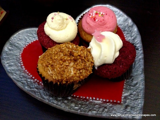 kitsch red velvet cupcakes