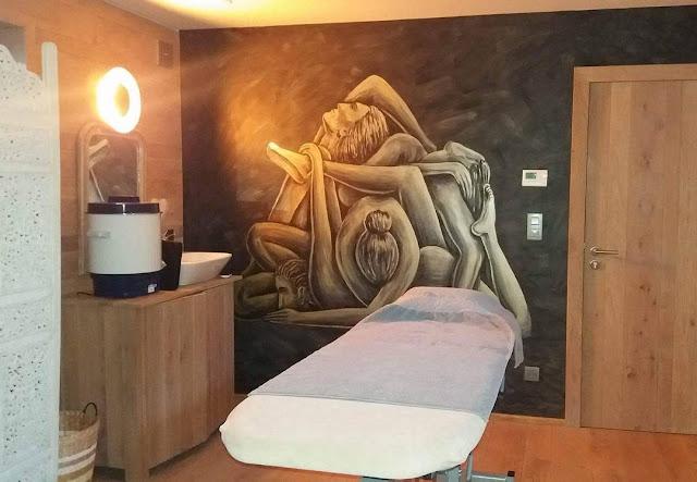 Peinture murale de l'artiste Ben Heine pour un Cabinet de Bien être et de Kinésithérapie