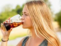 Jangan Minum Soda Setelah Olahraga, Bahaya Bagi Ginjal