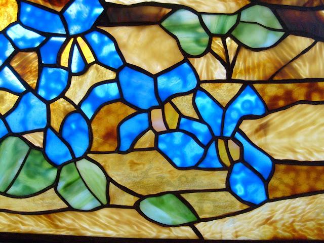 opálová skla ve vitráži