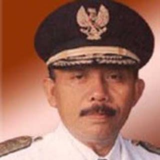 Foto Imam Utomo Mantan gubernur Jawa Timur 11