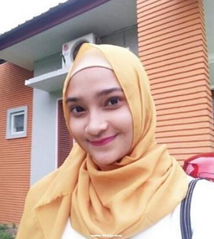 http://www.liataja.com/2016/02/kumpulan-foto-wanita-muslimah-cantik.html