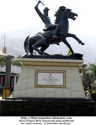 Foto a Andrés Avelino Cáceres en caballo por Jesus Gómez
