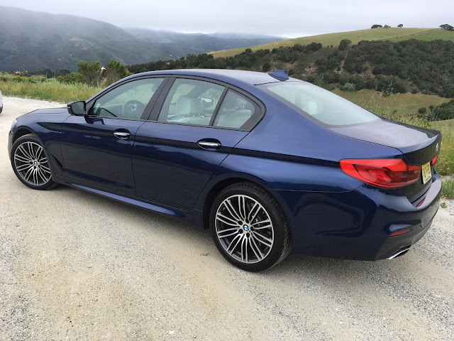 Side 7/8ths view of 2017 BMW 540i