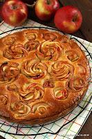 Migdałowo - jabłkowa tarta z różą