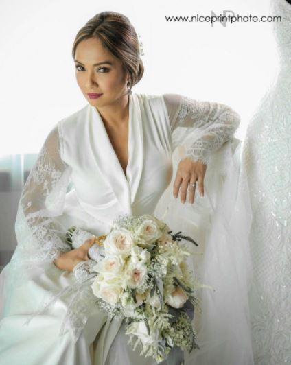 MUST WATCH: Arthur Solinap And Dingdong Dantes Gave The Bride A Surprise Dance Number On Their Wedding DayMUST WATCH: Arthur Solinap And Dingdong Dantes Gave The Bride A Surprise Dance Number On Their Wedding Day