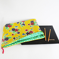 http://www.ohohdeco.com/2015/03/how-to-sew-laptop-case.html