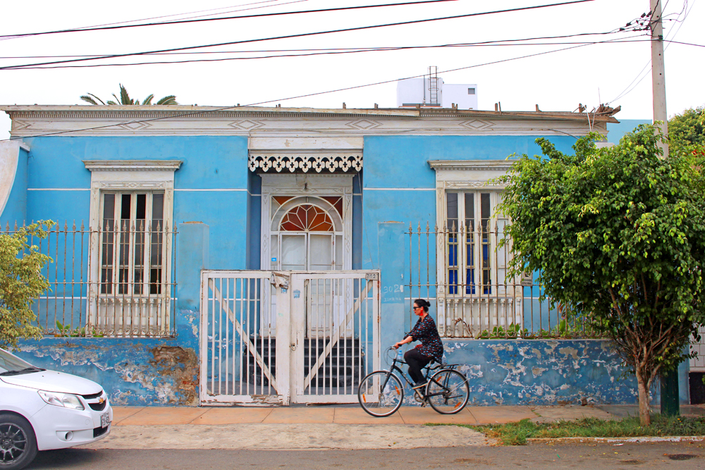 Cycling through Miraflores in Lima, Peru - travel blog