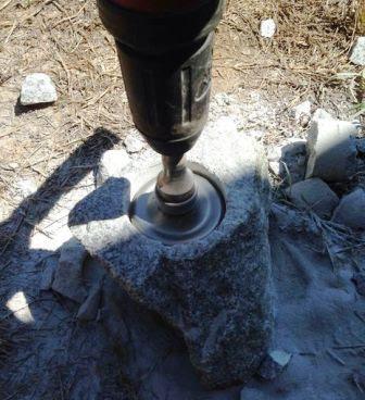 Hammer drill untuk melubangi batu