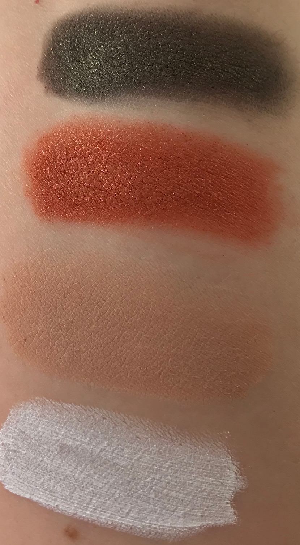 Mono eyeshadow Color