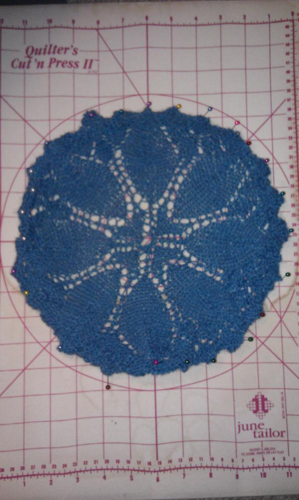 The Knitting Quilter: Knitted doily