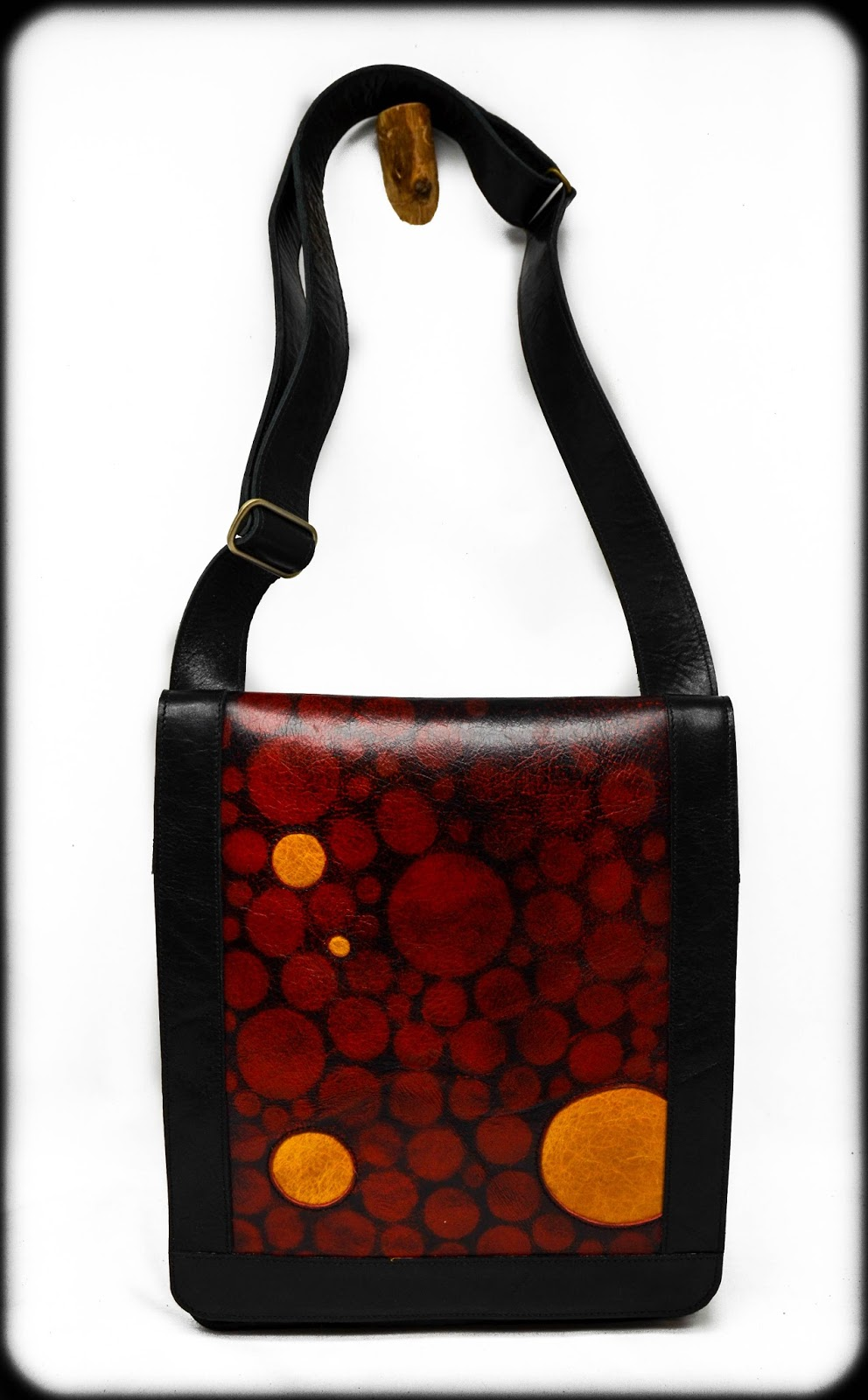 Chemical Wedding Handbags Black And Red Leather Shoulder Bag With Adjule Strap
