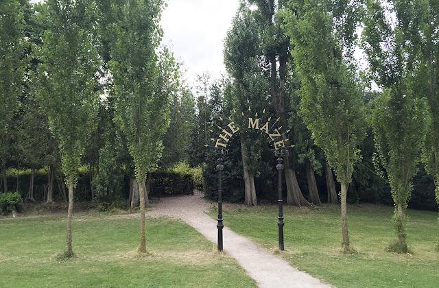 Crystal Palace Park Maze entrance, 12 August 2016