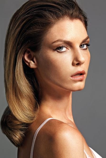 facebo angela lindvall born - 446×666