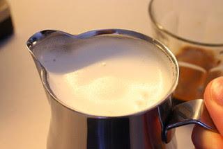 cara-steam-susu-untuk-cappuccino.jpg