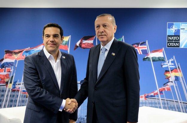 Λάθος ή σωστό το ταξίδι Τσίπρα σε Τουρκία;