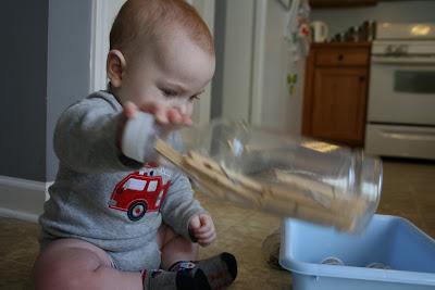 Montessori baby activities, Montessori sensory bottles