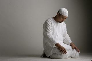 Bacaan Doa Setelah Tahiyat Akhir, Sunnah Nabi yang Sering Dilupakan