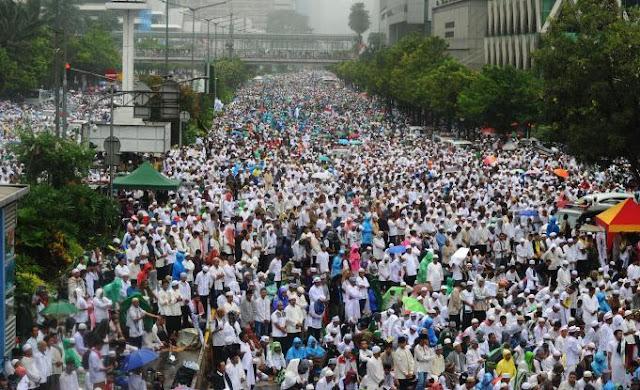 Jokowi Bikin Acara Tandingan di Istiqlal, Peserta Reuni 212 Langsung ke Monas