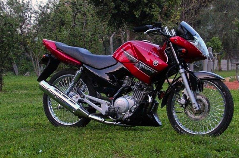 Yamaha YBR 125 2015 800 miles. Immaculate in EX15 Uffculme