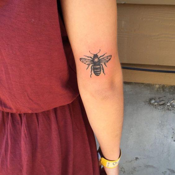 Tatuagens de abelhas