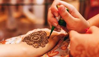Perhatian Cara Memakai Henna Di Tangan Atau Kaki Sirania Xyz