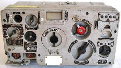 T-72B1 - Página 19 R-123%2Bradio