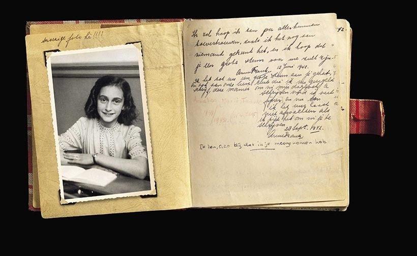 Versão original do Diário de Anne Frank no museu em Amsterdam. Foto: www.annefrank.org