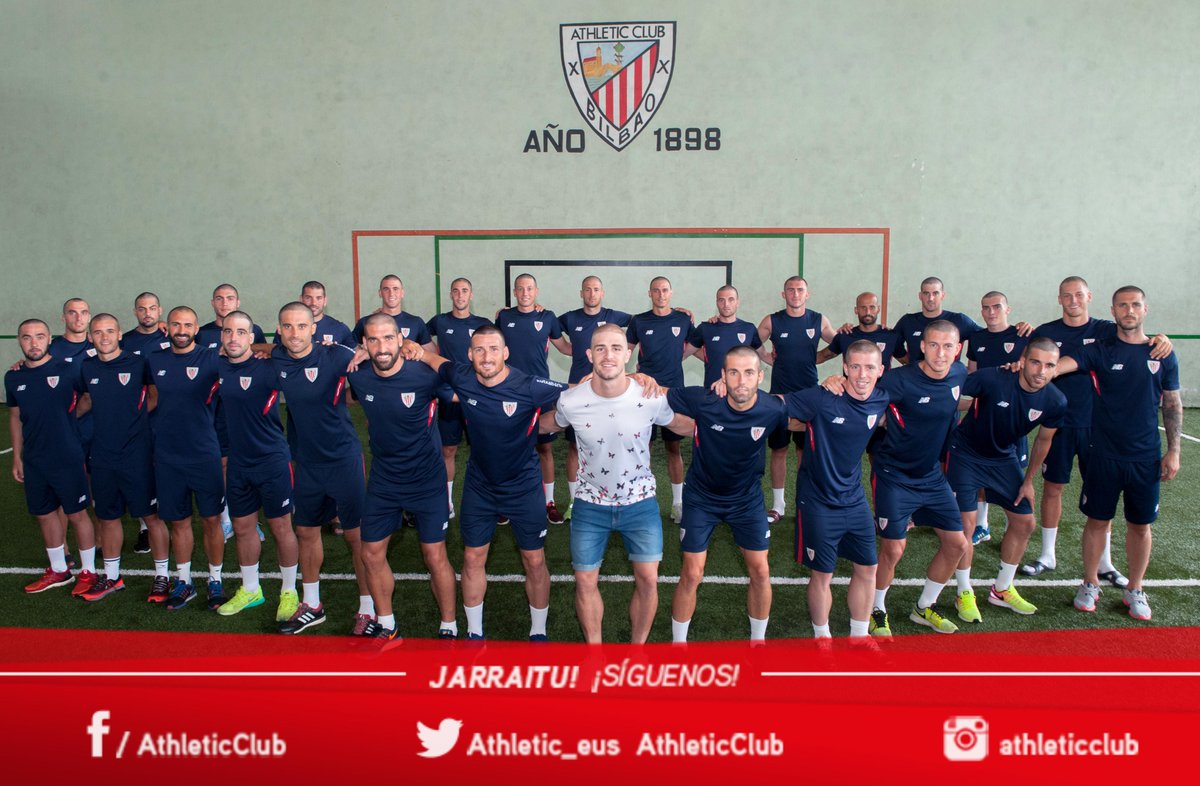 Athletic Bilbao players show their supports for teammate Yeray Álvarez by shaving off their hair