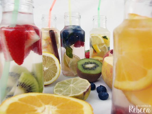 Agua de frutas o agua saborizada