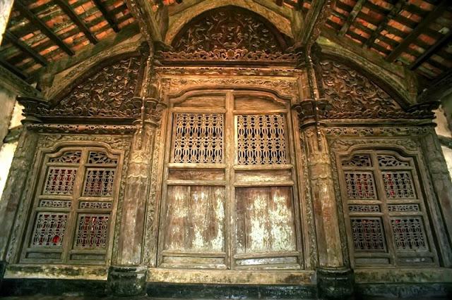 Bewildered Phat Diem Cathedral's architecture 3