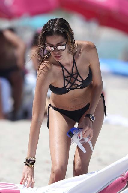 Aida Yespica in Black Bikini
