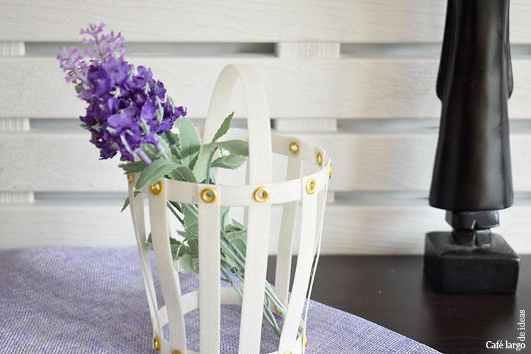 cesta decorativa con fleje