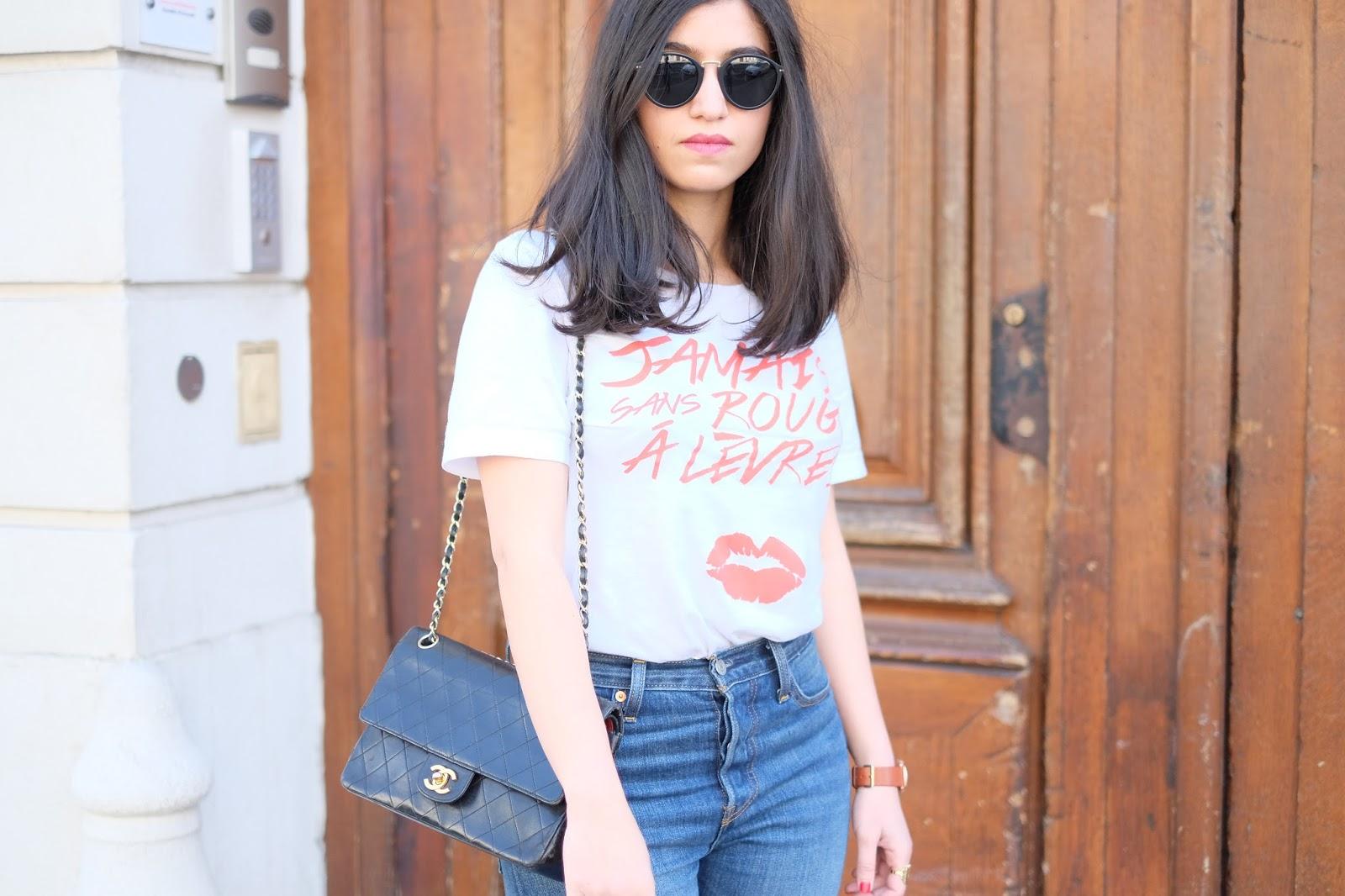 t-shirt jamais sans rouge à lèvres, sac chanel timeless, blogueuse mode, modeuse