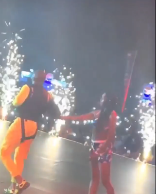 """#Davidoliveinconcert: Davido Enters The Stage From Above At His """"Live In Concert"""""""