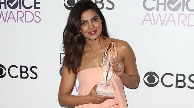 People-s-Choice-Award-for-the-second-time-Priyanka