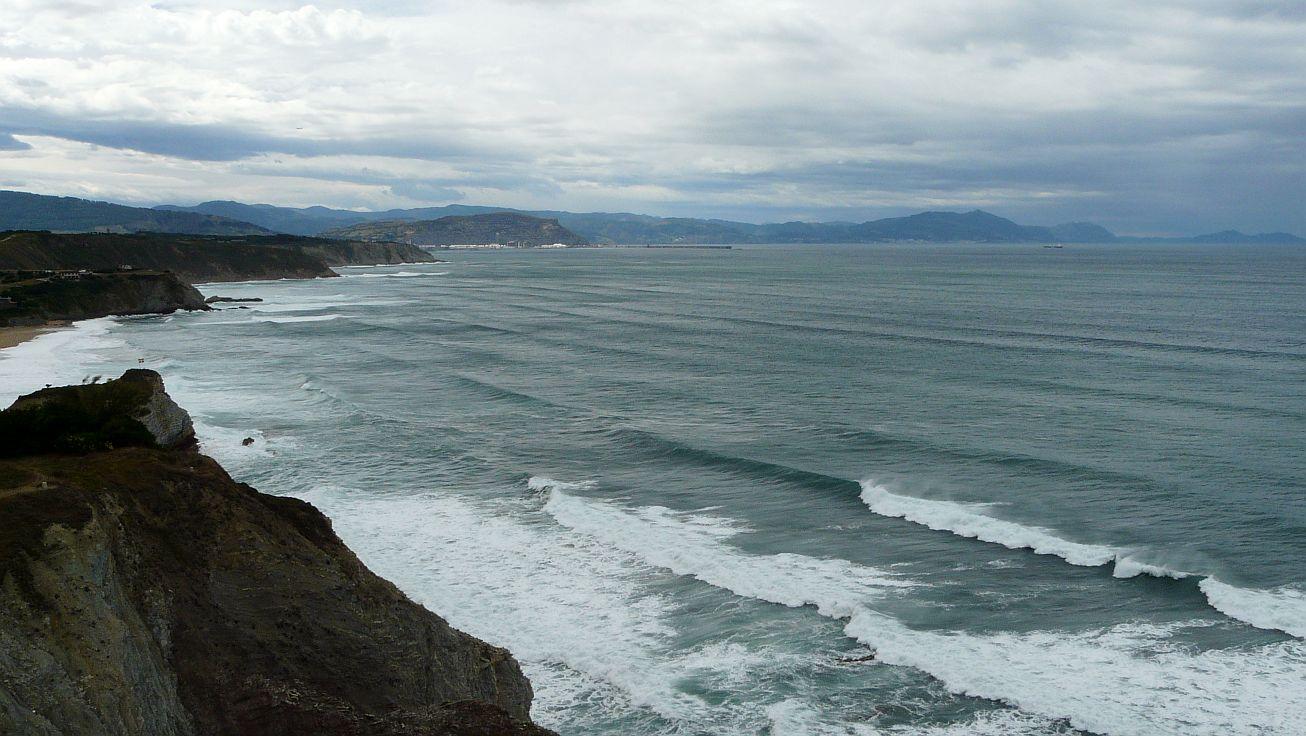 olas grandes en sopela triangu 05